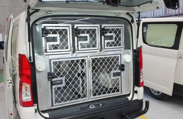 VQuip - Transforming Vehicles | Lost Dogs Home Animal Transport Van - Img2